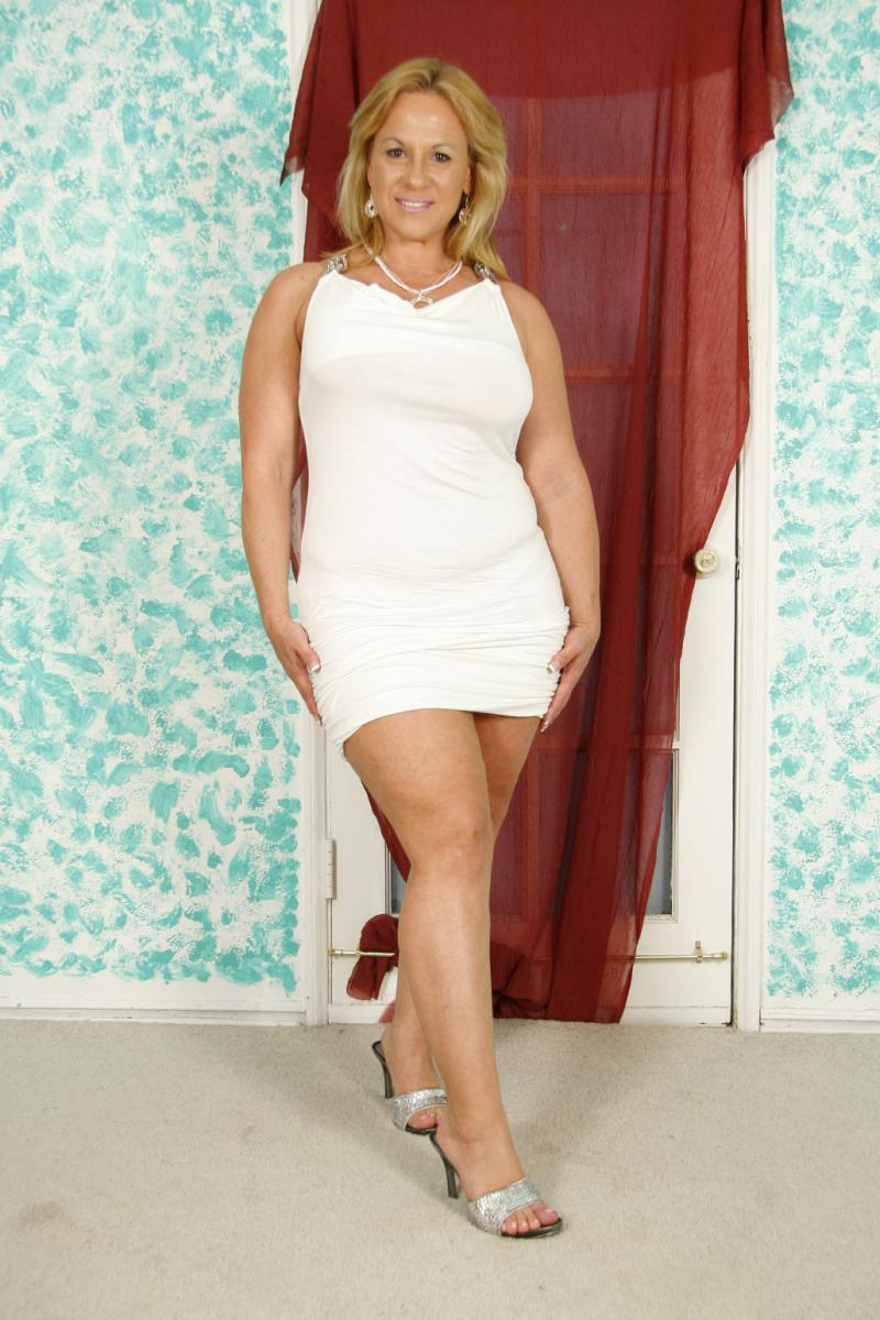 Image of White Dress Worn In A southern Charms shoot